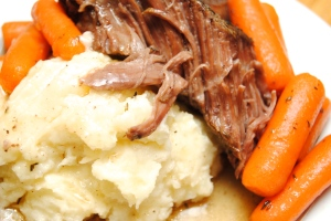 Pot roast with mashed potatoes and carrots