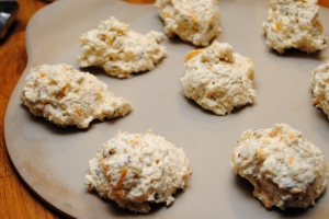Garlic cheddar biscuits5