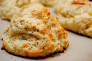 Garlic cheddar biscuits6